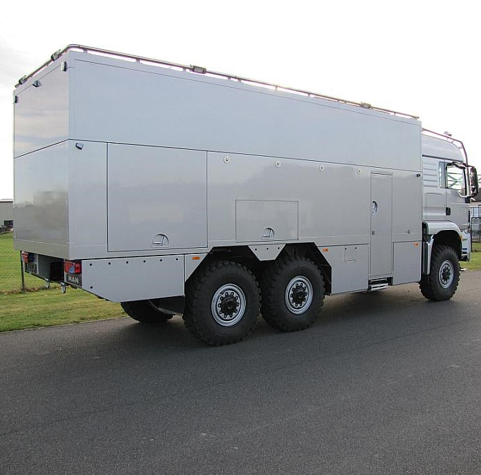 6x6 expedition truck3